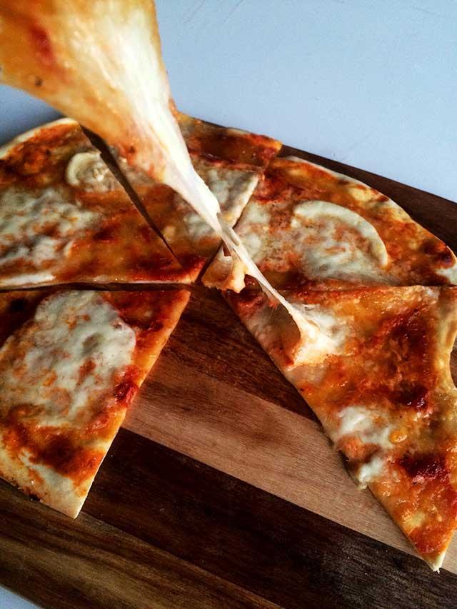 pizzawithroastedvegsauce