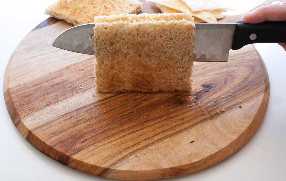 Simple Melba Toast Triangles - How to cut the bread