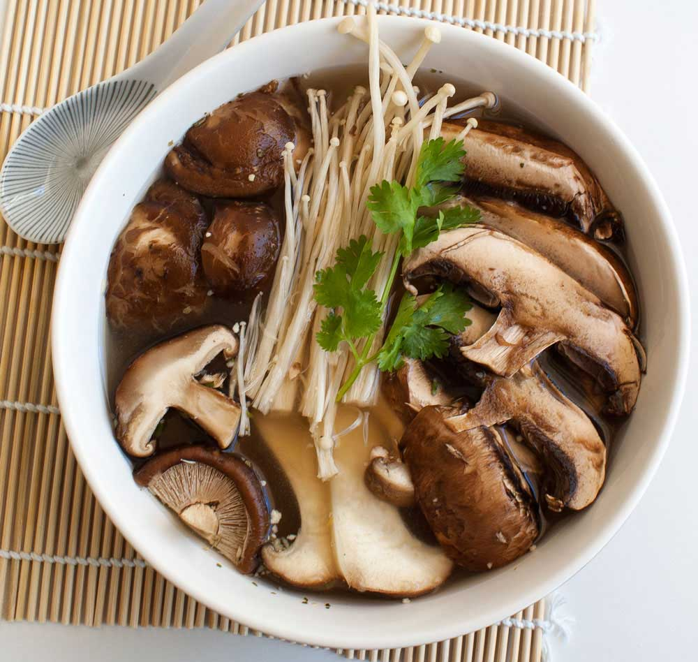 Mushroom Miso Soup. Earthy and delicious. A great vegetarian lunch ...