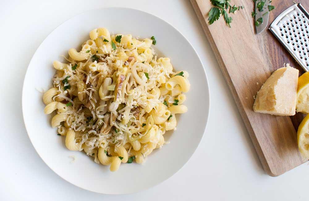 Lemon, Parsley and Leek Pasta. A delicious and simple vegetarian pasta recipe.