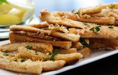Garlic and Parmesan Crisp Sticks. The perfect crisp nibble with drinks. Crunchy, garlicky and full of flavour. A great snack.