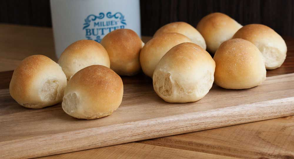 Mini Milk Bread Rolls. Delicious, fluffy and soft bread rolls, from Sprinkles and Sprouts