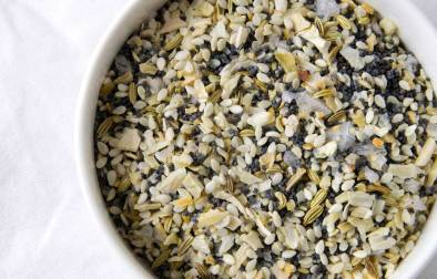 Everything Seasoning. The perfect topping for your bagels. A great seasoning blend that can be used on just about anything.