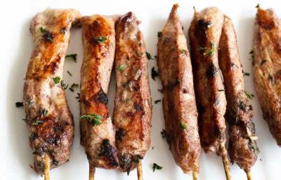 Cinnamon and Thyme Chicken Skewers. Sweet cinnamon and floral thyme give these chicken skewers a wonderful and unusual mix of flavours. A winning dinner!
