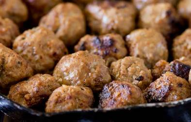 Juicy beef meatballs, spiked with wonderful Mexican flavours. These are like chilli con carne in meatball form!!! Perfect for lunch, dinner or as a snack.
