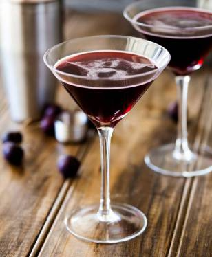 This cherrytini is the perfect fruity martini! It tastes like an adult version of cherry drop sweets. Packed with cherry flavour and pulling a great alcoholic punch.