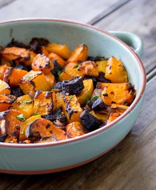 Roasted root veg. Sweet, soft, slightly caramelised and packed full of warming, rich deliciously flavours. This is the perfect side or base for a great vegetarian main course. And it is simple to make with whatever you have in your fridge!