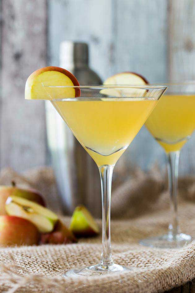 A deliciously sweet and tart cocktail that is perfect for the slightly cooler nights.