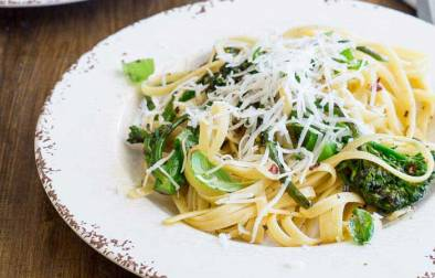 This Charred broccoli pasta is such a fabulous balance of flavours! Slightly salty, smoky with a hint of sweetness, all dressed with fabulous garlic, the hit of chilli and a fabulous creamy hit of goats cheese.