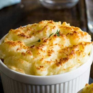 Cottage pie is such a comforting and delicious family meal. And this version is simple to prepare ahead and can be easily cooked from frozen! A sure family favourite! From https://www.sprinklesandsprouts.com.au