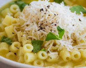 This Pasta with Chicken Broth, Butter and Parmesan is pure comfort food! It is a bowl of wonderful, warming, healing amazingness. One spoonful and you know the world is going to start looking brighter. A whole bowl and you feel restored.