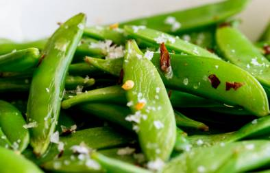 Crisp, sweet sugar snap peas, sautéed to a tender crisp perfection and then sprinkled with chilli flakes and sea salt. A healthy 5 minute side dish!