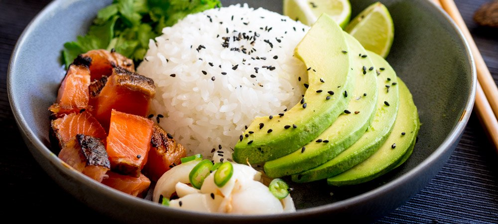 Sushi Bowl with Salmon, Avocado and Lychee Salsa