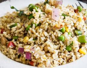 Nutty brown rice, sweet crunch vegetables and flavour packed herbs. This brown rice salad is not your average salad. It is nutritious and delicious. From Sprinkles and Sprouts