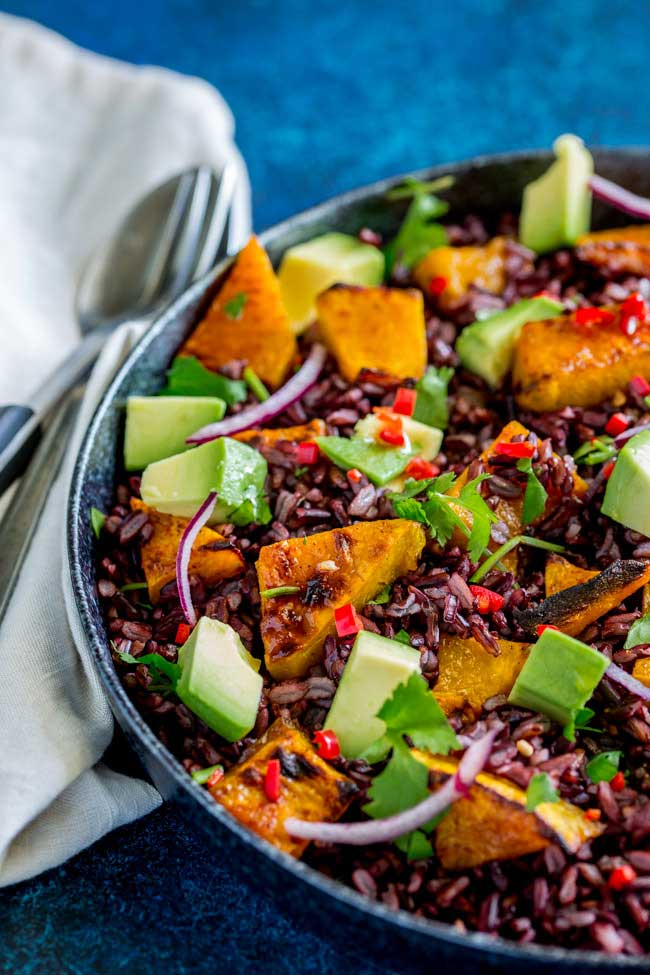This Mexican Black Rice and Pumpkin Salad is packed with flavour. Honey and Cumin Roasted Pumpkin, nutty sweet black rice, creamy avocado, spicy chilli, zingy lime and fabulous fresh coriander. So many fabulous flavours that make this salad a taste explosion. From Sprinkles and Sprouts