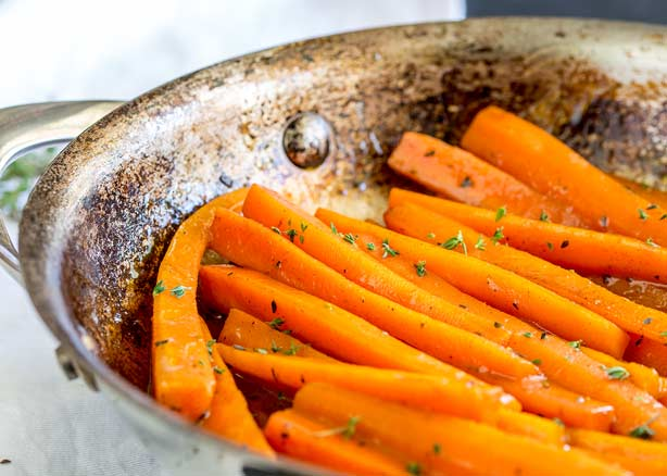 Cinnamon and Thyme Brown Sugar Glazed Carrots