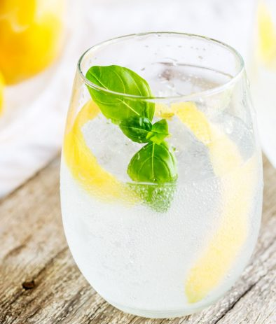 Lemon and Basil Gin and Tonic | Gin and lemon is such a classic combination but the addition of herbaceous basil means this Gin and Tonic pops with a wonderfully different flavor. This lemon and basil G&T is refreshing and unusual take on your normal G&T.