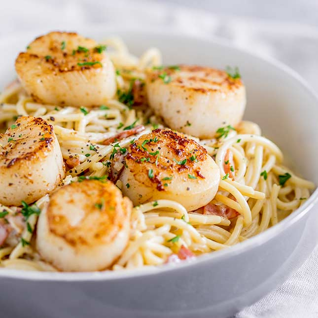Seared Scallop Pasta With Creamy Bacon Sauce