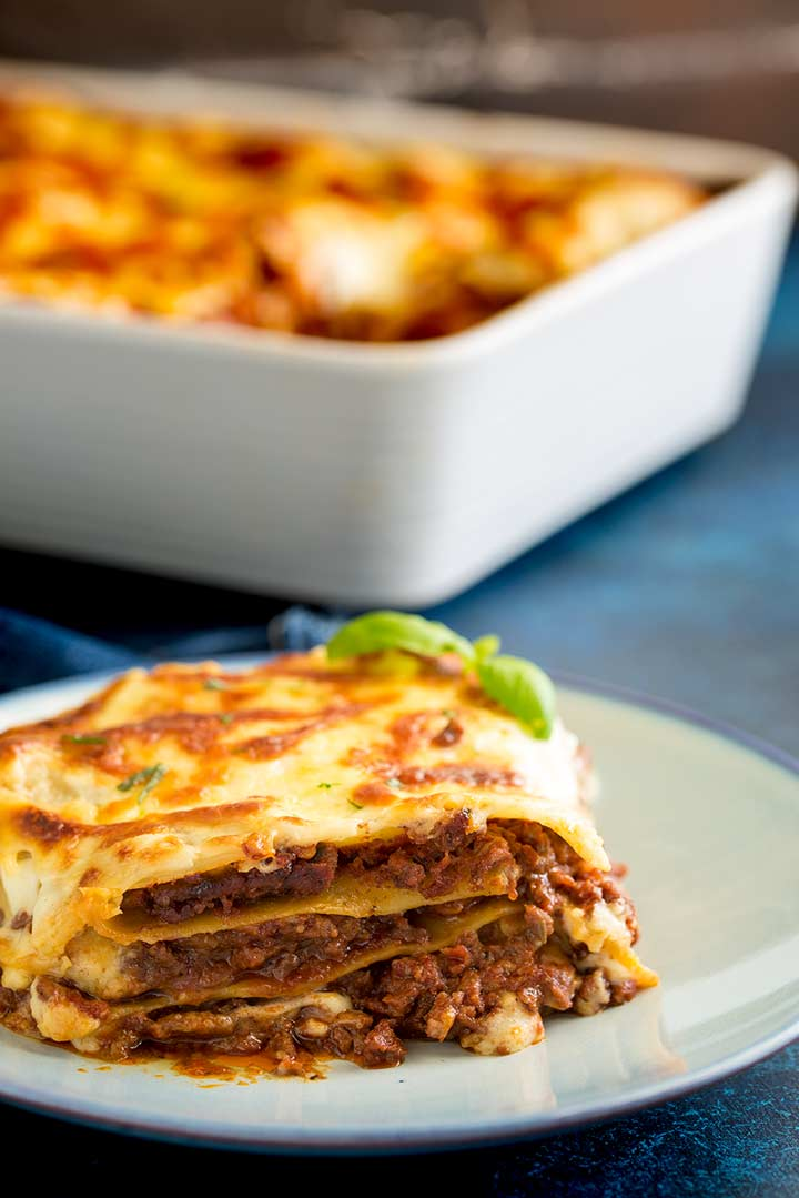 close up on the layers of the lasagna with béchamel